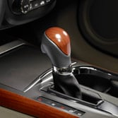 2014 RDX LEATHER & WOODGRAIN-LOOK SHIFT KNOB